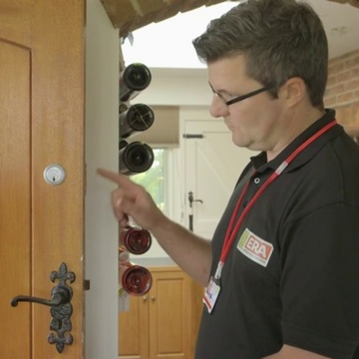 Should I Choose a Video Doorbell or a Conventional Doorbell